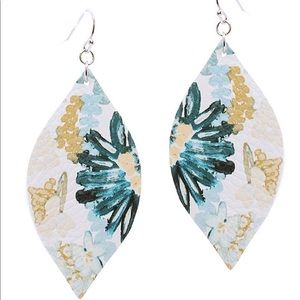 NEW MARQUISE LIGHTWEIGHT FLORAL EARRINGS